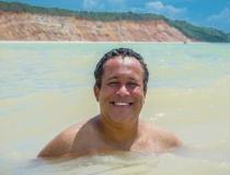 Aos 41 anos, jornalista alagoano Átila Viera morre por complicações da Covid-19