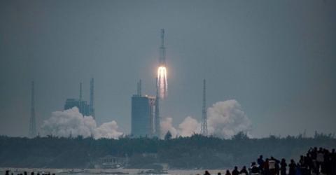 Parte de foguete chinês cairá na Terra até amanhã