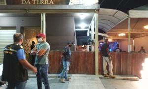 Em operação conjunta, Convívio Social notifica bares por uso irregular de área pública