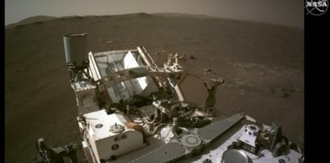 Nasa divulga primeiro vídeo de Perseverance, gravado pelo robô durante pouso arriscado em cratera de Marte, assista