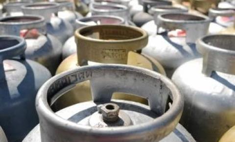 Venda de gás de de cozinha sobe 30% em 11 Estados, informa ANP