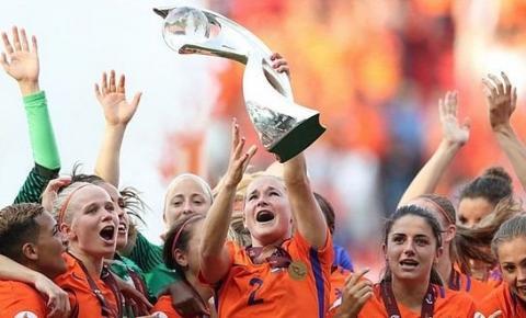 Covid-19: Uefa transfere Eurocopa feminina para julho de 2022