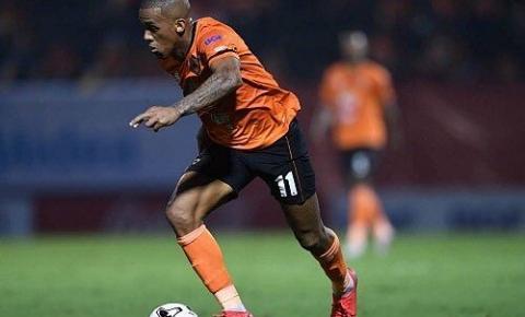 Maílson analisa temporada e mira título no futebol tailandês