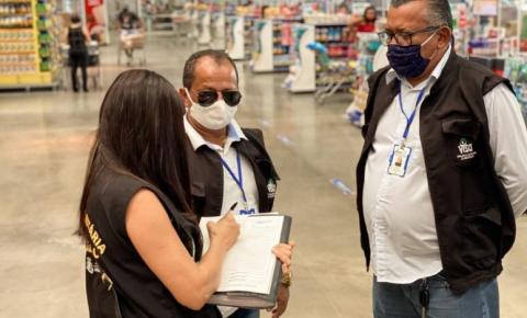 Vigilância Sanitária notifica estabelecimentos e cobra cumprimento de medidas contra a Covid