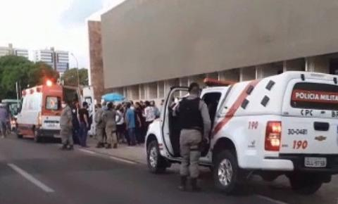 Italiano é preso após matar marido de advogada na porta de fórum; veja vídeo