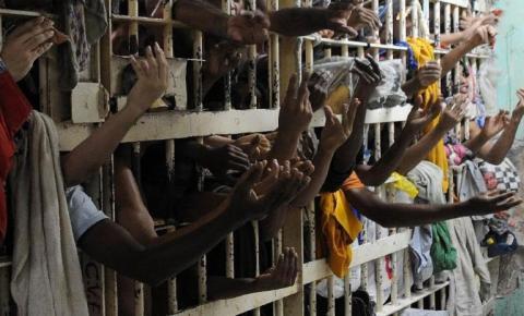 Sistema prisional registra quase 450 óbitos por Covid-19; nº de servidores mortos é maior que o de presos