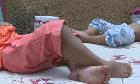 Vizinhos arrombam portão e salvam bebês gêmeos de incêndio em Goiânia